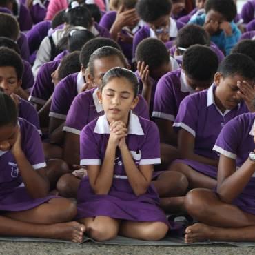 Public School Children Pray for Salvation