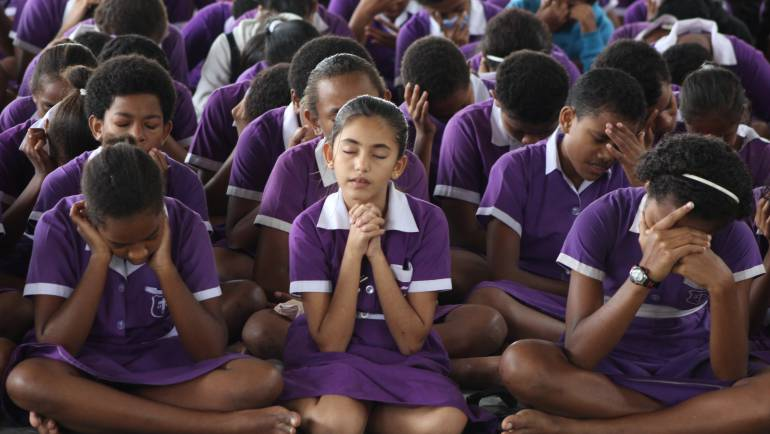 Public School Children Pray for Salvation